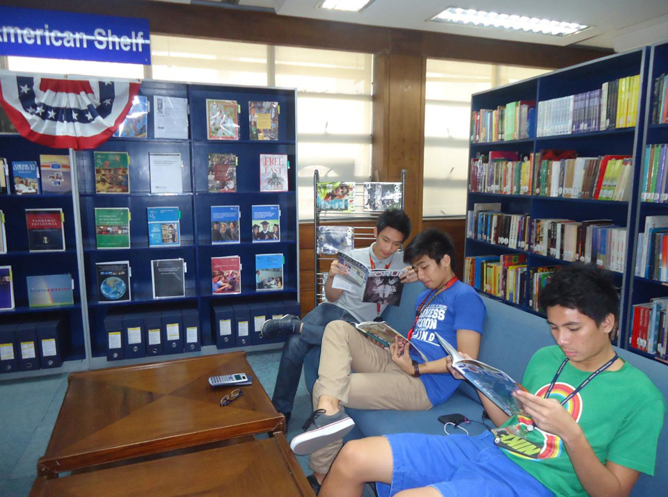 Makati Library - American Shelf